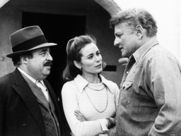 ARCHER, from left: Sorrell Booke, Ellen Geer, Brian Keith in 'The Arsonist' (Season 1, Episode 2, ai