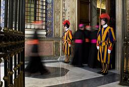 VATICAN-POPE-CHRISTMAS-CARDINALS-WIS