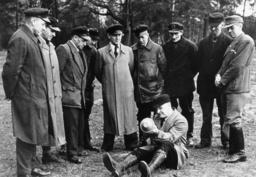 Schlacht um Berlin/Volkssturm/Ausbildung - 'Volkssturm' troops / Berlin / 1945 -