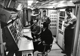Hms Resolution Royal Navy Nuclear Submarine Chief Petty Officer John Jones Hms Resolution (s22) Was The First Of The Royal Navy's Resolution-class Ballistic Missile Submarines. Ordered In May 1963 She Was Built By Vickers Armstrong At A Cost Of Ii40