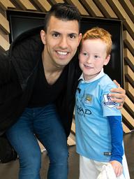 Fans meet Sergio Aguero