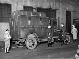 Armoured money transporter in New York, 1934
