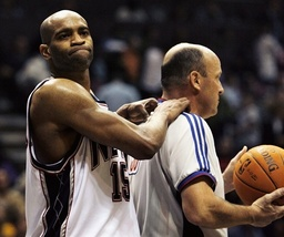 New Jersey Nets Carter gives ref massage in loss to Los Angeles Lakers in East Rutherford