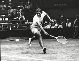 Hilde Krahwinkel Sperling In Play At The 1938 Wimbledon Championships Against Thelma Coyne Long. Box 0620 22072015 00318a.jpg.