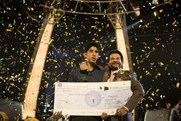 SLUMDOG MILLIONAIRE, from left: Dev Patel, Anil Kapoor, 2008. ©Fox Searchlight/courtesy Everett Coll