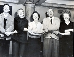 Director Sir Laurence Olivier With Members Of The Cast Of The Play Semi-detached. James Bolam Eileen Atkins Mona Washbourne And Patsy Rowlands 1962.