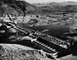 Construction of the Grand Coulee Dam, 1938