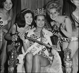 The 1962 Miss World Competition Winner Miss Holland Marina Lodders (mrs Chubby Checker) With Runner Up Kaarina Leskinen Miss Finland (left) Second And Miss France 20 Year Old Monique Lemare (right)