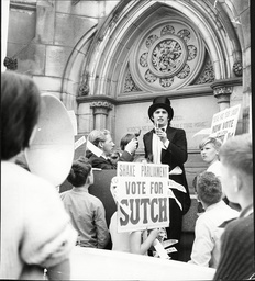 David Sutch (screaming Lord Sutch) A Candidate In The Stratford-on-avon By-election With His Supporters.