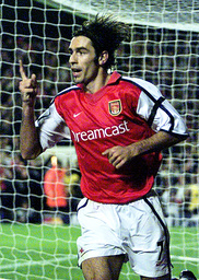 ARSENAL'S PIRES CELEBRATES SCORING THE TEAM'S FIRST GOAL AGAINST REAL MALLORCA AT HIGHBURY