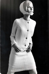 Fashion - Women - 1965 The Total Look In White Chevron-patterned Courtelle Could Be Your Most Eye-catching Winter Get-up. Matching Dress Stockings And Bonnet Make A Snow-girl Outfit Which Adds Up To Far More Impact That The Sum Of Its Parts. Designed