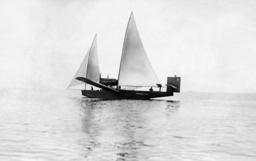 Rohrbach RO III with sails hoisted, 1925