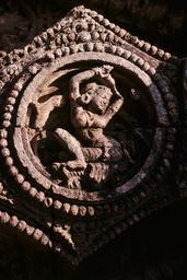 Konarak, Sonnentempel, Weibliche Figur / Relief - Konarak, Sun Temple, Woman / Relief - Konarak, temple du Soleil, figure féminine / Relief
