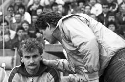 Otto Rehhagel and Rudi Völler on the last matchday of the Bundesliga season 1985/1986