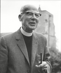 Law Crime Robbery 1963 'the Great Train Robbery' The Rev Stuart Ashby Vicar Of Oakley Witness In Great Train Robbery Oakley Inquiry
