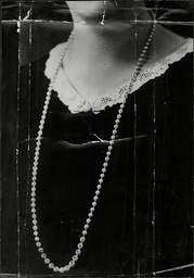 The Pearl Necklace Valued At Ii15 999 Reported Missing By The Hon Mrs Blyth.