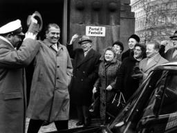 Brandt honors Wernher von Braun