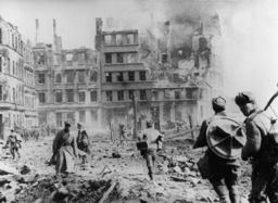 2.WK./Fall v.Königsberg/Sowjetsoldaten. - WWII / Fall of Königsberg / Soviet sold. -
