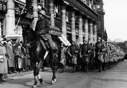 Entry of German soldiers into Cologne, 1936