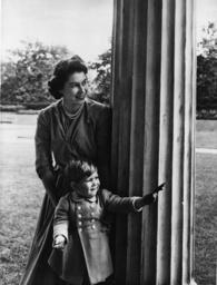 Elisabeth II. und Charles/ Foto 1950 - Elizabeth II and Charles / Photo 1950 - Elisabeth II , reine de Grande-Bretagne et d'Irlande