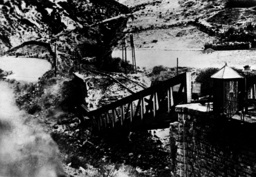 Span. Bürgerkrieg/gesprengte Brücke/Foto - Spanish Civil War / Bombed Bridge /Photo - Guerre d'Espagne / Pont dynamité / Photo