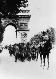 Westfeldzug/dt.Truppen in Paris,Juli1940 - Western Front/German Troups in Paris. - Troupes allemandes / Paris juillet 1940