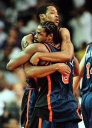 KNICKS CAMBY HUGS SPREWELL AFTER THEIR WIN
