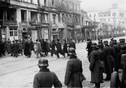 Soldiers of the armed forces and Jews in Warsaw, 1939