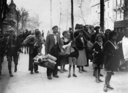 Spanische Flüchtlinge in Luchon - Spanish refugees in Luchon / 1938 - Guerre civile espagnole, 1939-36.