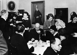 Berlin,Jüd.Museum,Geburtstagsfeier, 1938 - Berlin,Jew.Museum,Birthday /Photo/ 1938 -