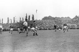 1st matchday Soccer Bundesliga 1963/64: Preussen Muenster-Hamburger SV 1:1