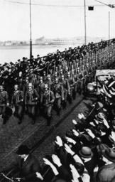 Einmarsch ins Rheinland/Truppen in Mainz - Invasion of Rheinland/Troops in Mainz - Entrée en Rhénanie / Troupes allemandes à Mayence