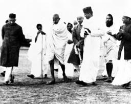 AP I INDIA MAHATMA GANDHI VISITS DELHI