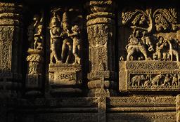 Konarak, Sonnentempel, Skulpturenschmuck / Reliefs - Konarak, Sun Temple / Reliefs - Konarak, temple du Soleil, ornementation sculptée / Relief