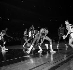 Watchf Associated Press Sports NBA Basketball New York United States APHS40688 76ERS KNICKS BASKETBALL