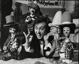 Ken Dodd Comedian With The Diddy Men