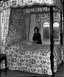 Mrs Arnold Swanson Makes The Bed That Belonged To Vivien Leigh At Notley Abbey.