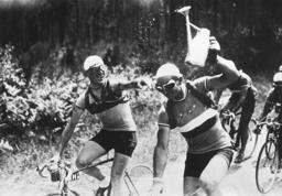 Roger Lapebie douses Mario Vicini in a leg of the Tour de France, 1937