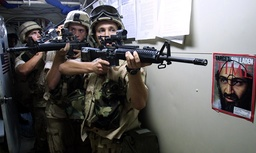 US MARINES PRACTICE ROOM CLEARING DRILLS ABOARD THE USS WHIDBEY ISLAND