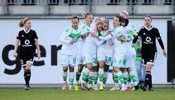 Bilder des Tages SPORT Torjubel 1 0 Isabel Kerschowski VfL Wolfsburg