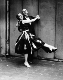Musical comedy star Irene Delroy, left, and dance teacher Arthur Murray, 1926