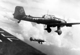 WW II - Airforce - Junker 1940