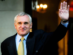 PRIME MINISTER BERTIE AHERN WAVES TO THE MEDIA AFTER BEING RE-ELECTED FOR A SECOND TERM