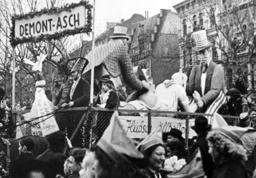 Rose Monday parade in Cologne 1949
