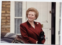 Baroness Thatcher Of Kesteven 1990 - Margaret Thatcher On The Step Of Her New Dulwich Home ... Baroness Margaret Thatcher Died 08/04/2013.