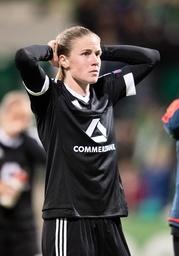Nach dem Spielende Ana Maria CRNOGORCEVIC FFC steht enttaeuscht auf dem Platz Fussball Frauen in