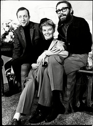 Film Director Anthony Harvey (l) With Actors Katharine Hepburn And Peter O'toole.