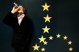 Tecknaren Lars Hillersberg deltar i vandringsutställning av europeiska satirteckningar, De nya européerna.