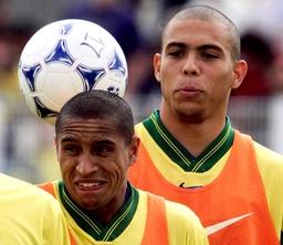 BRAZILAN STRIKER RONALDO JOKES WITH TEAMMATE ROBERTO CARLOS