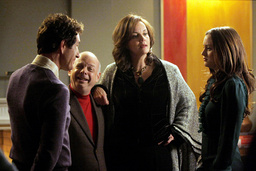 GOSSIP GIRL, from left: John Shea, Wallace Shawn, Margaret Colin, Leighton Meester, 'The Magnificent